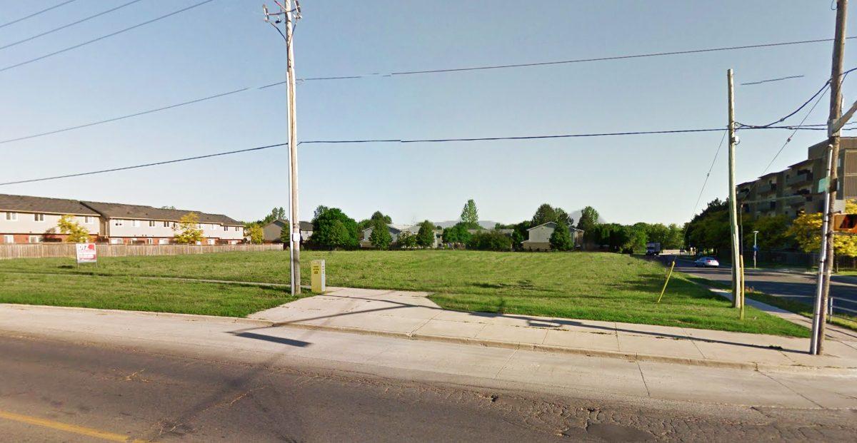 Trossacks Ave. 1515 - 02