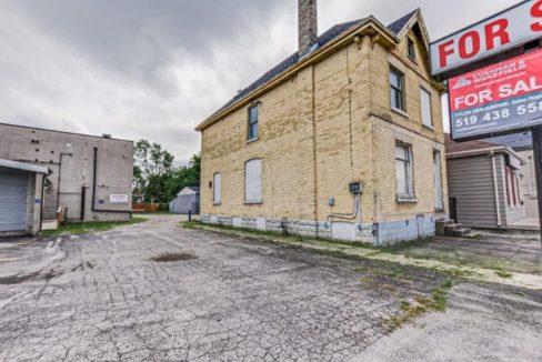 Horton St. E. 317 - 11