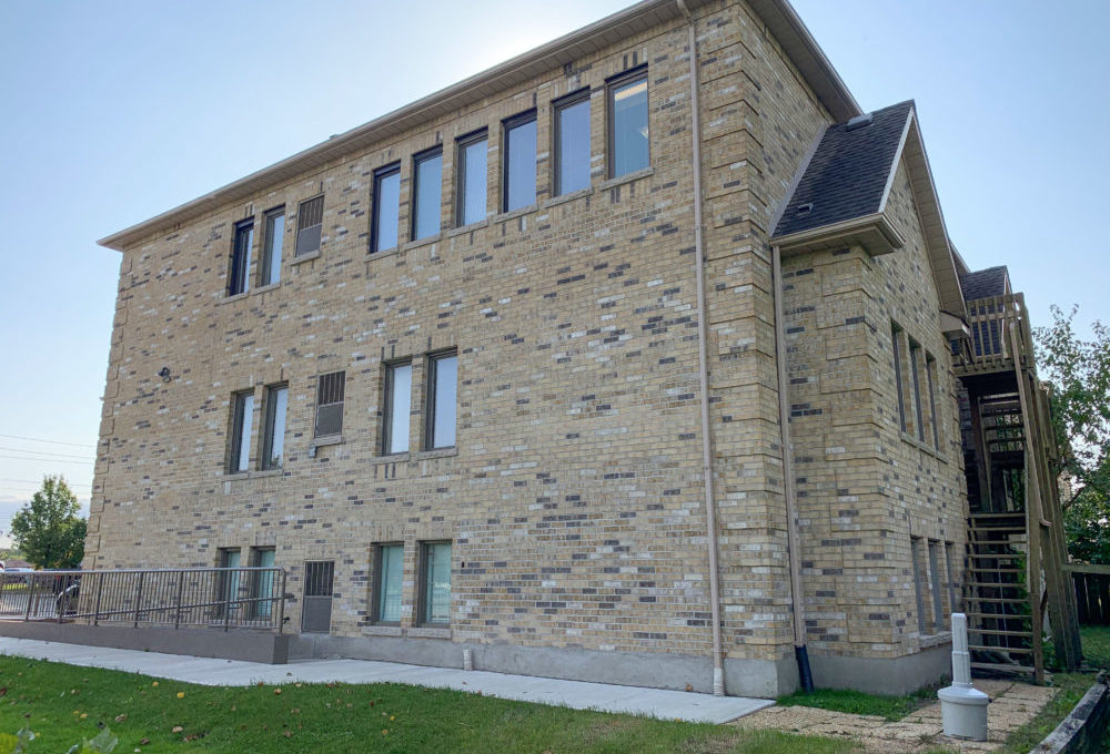 Wharncliffe Rd. S. 571 - 10a